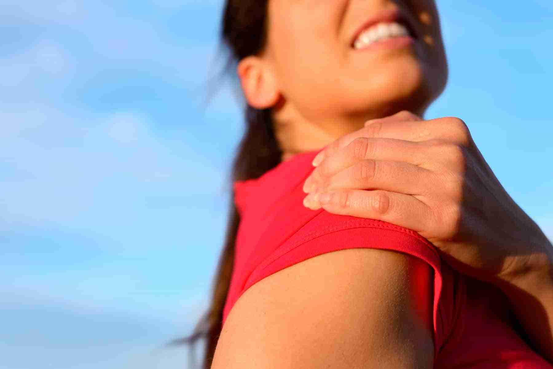 shoulder subluxation symptoms